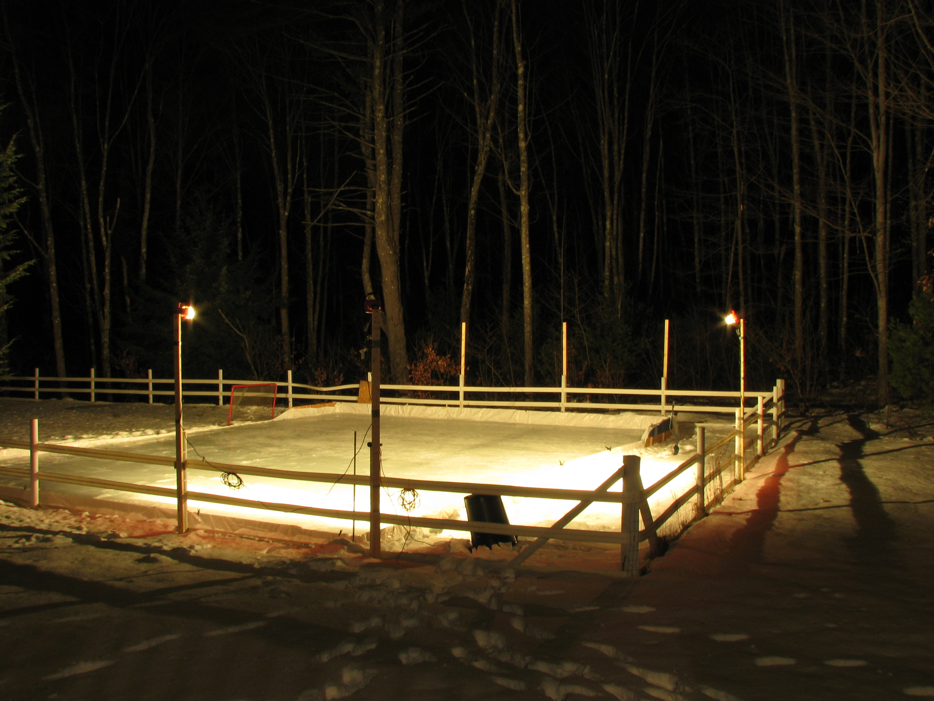 How To Build A 24'x40′ Backyard Rink For Under $250